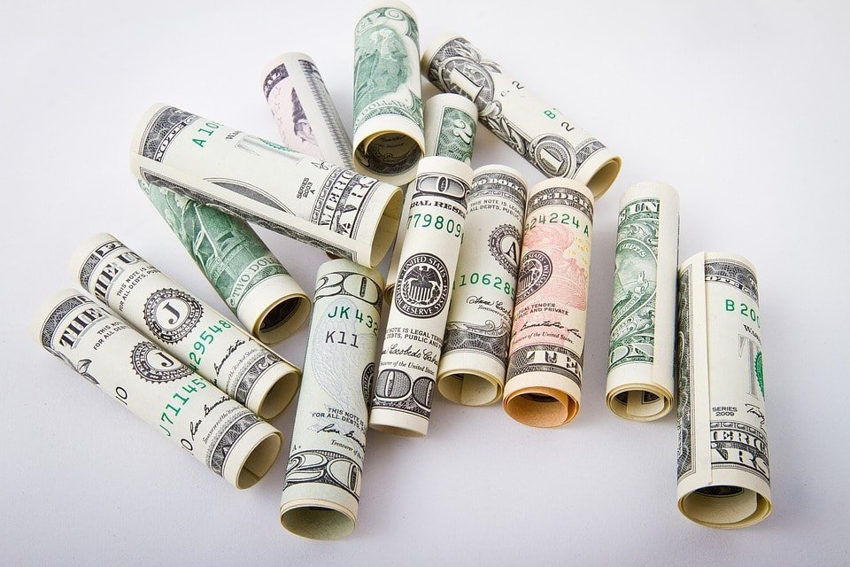 Cómo guardar el dinero durante un viaje 2